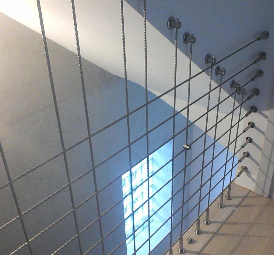 Balustrada z lin pionowych i poziomych